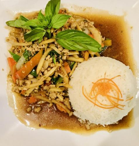 Pad Kra Pow (Lunch Special)